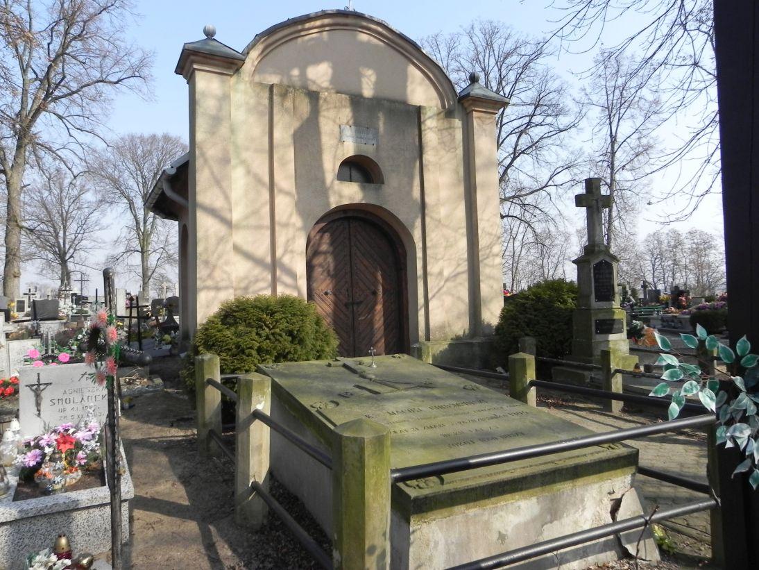 2012-03-18 Stara Rawa - cmentarz parafialny (1)