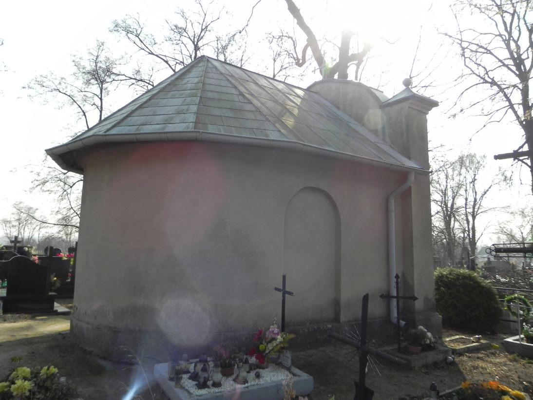 2012-03-18 Stara Rawa - cmentarz parafialny (13)