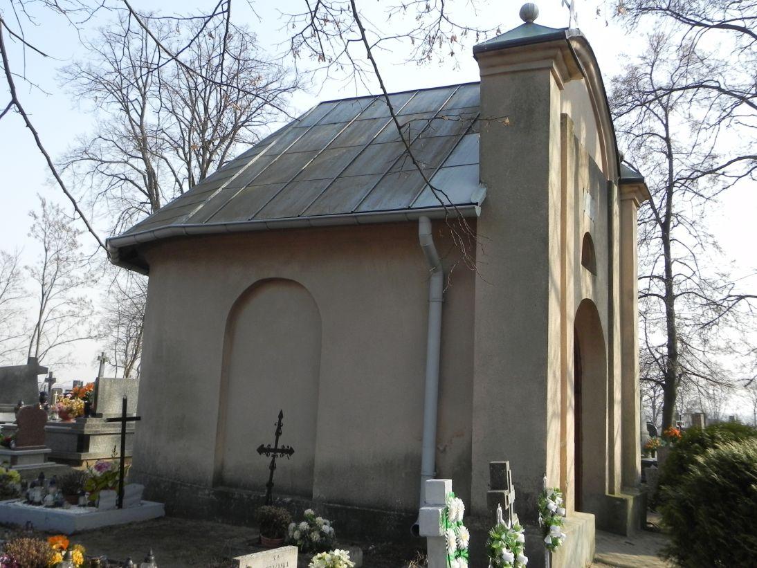 2012-03-18 Stara Rawa - cmentarz parafialny (14)