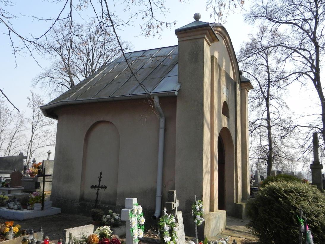 2012-03-18 Stara Rawa - cmentarz parafialny (15)