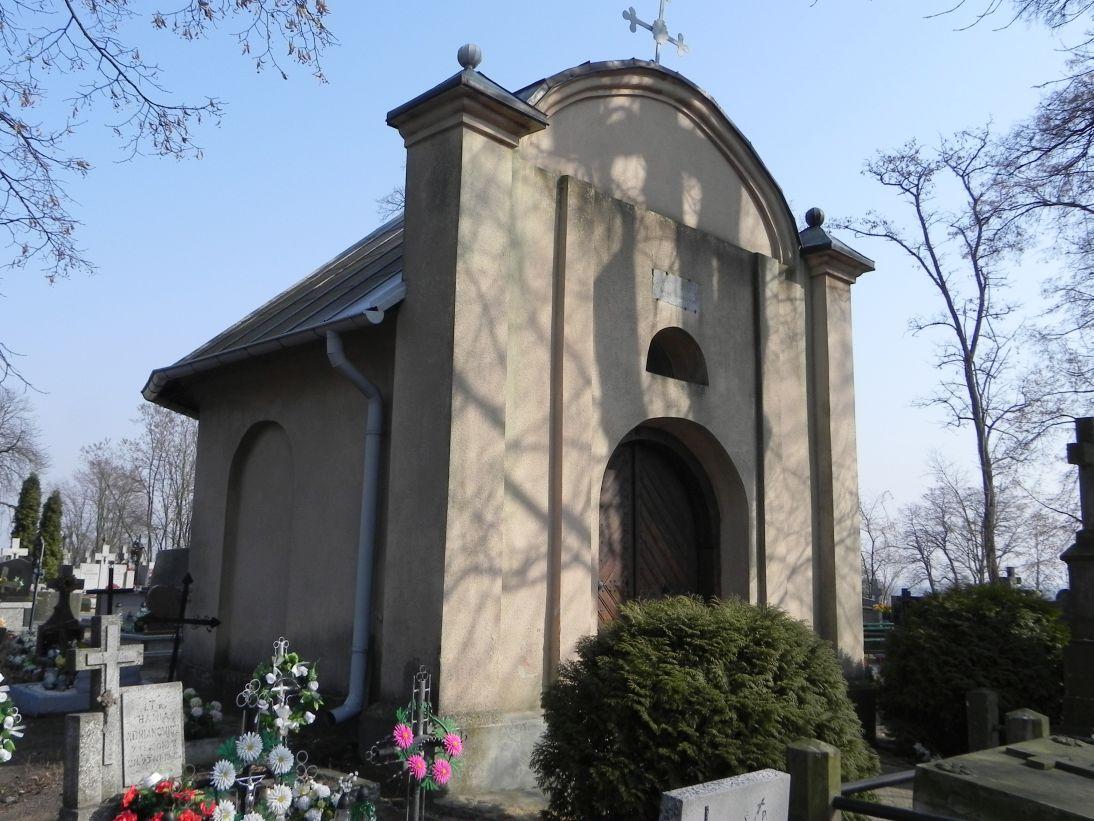 2012-03-18 Stara Rawa - cmentarz parafialny (16)