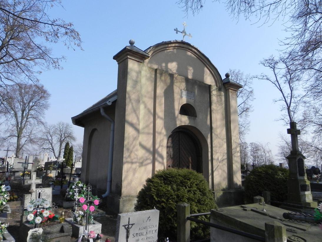 2012-03-18 Stara Rawa - cmentarz parafialny (2)