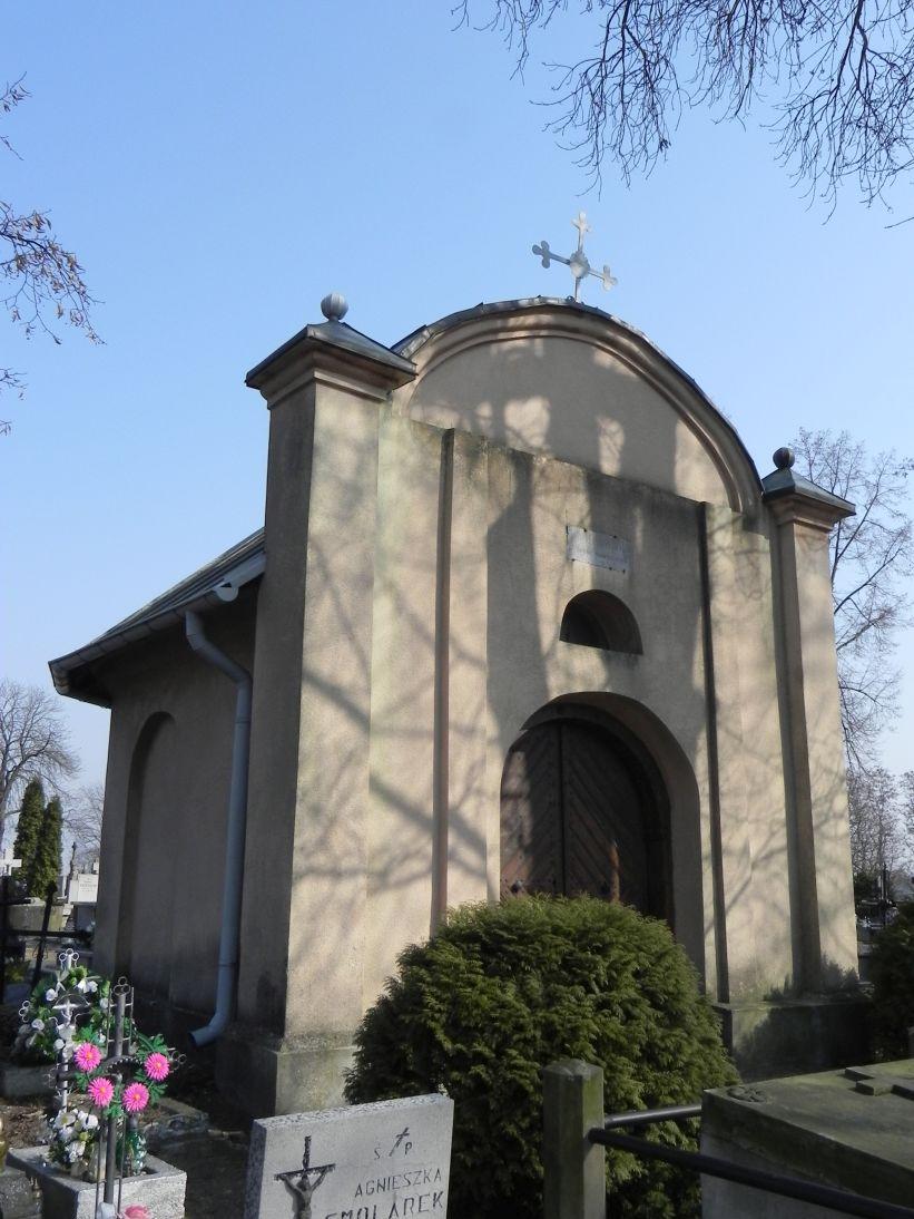 2012-03-18 Stara Rawa - cmentarz parafialny (3)
