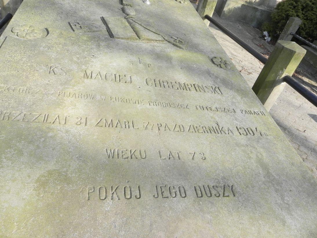 2012-03-18 Stara Rawa - cmentarz parafialny (6)