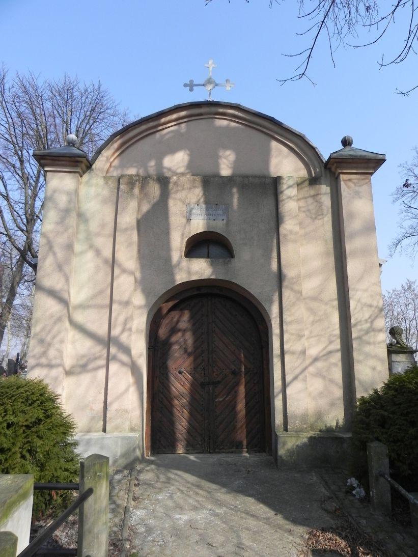 2012-03-18 Stara Rawa - cmentarz parafialny (7)