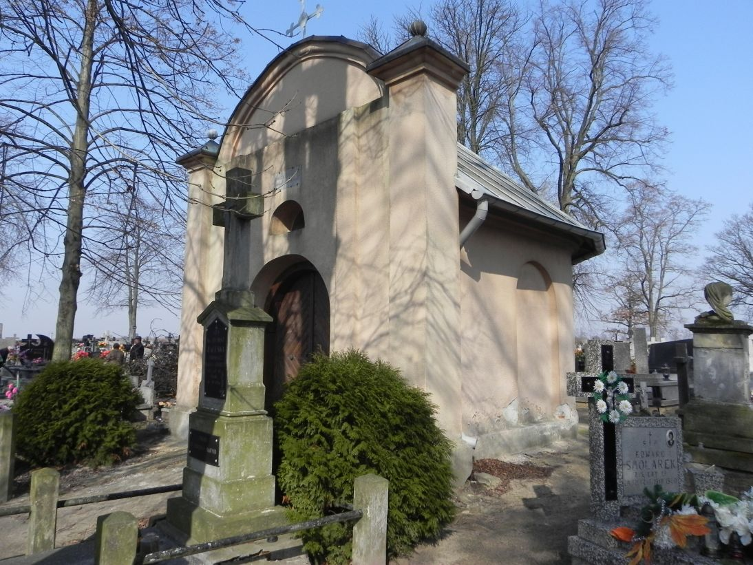 2012-03-18 Stara Rawa - cmentarz parafialny (9)