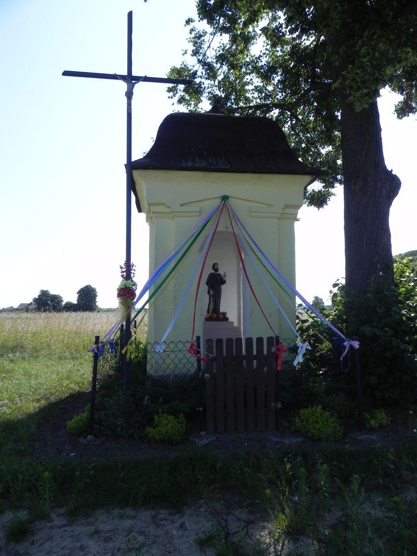 2011-06-26 Wielka Wola kapliczka nr1 (1)