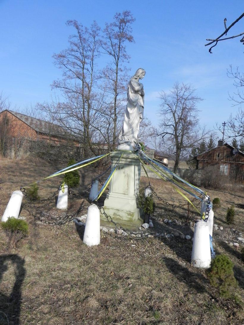 2012-03-25 Wysokienice kapliczka nr4 (1)