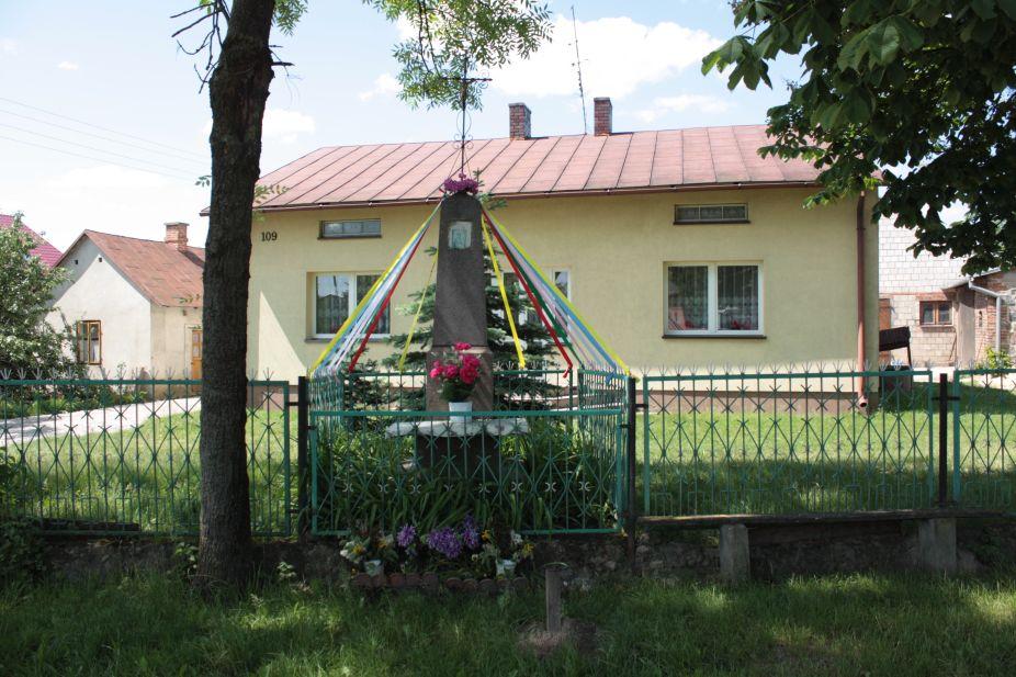 2018-05-20 Wysokienice kapliczka nr1 (1)