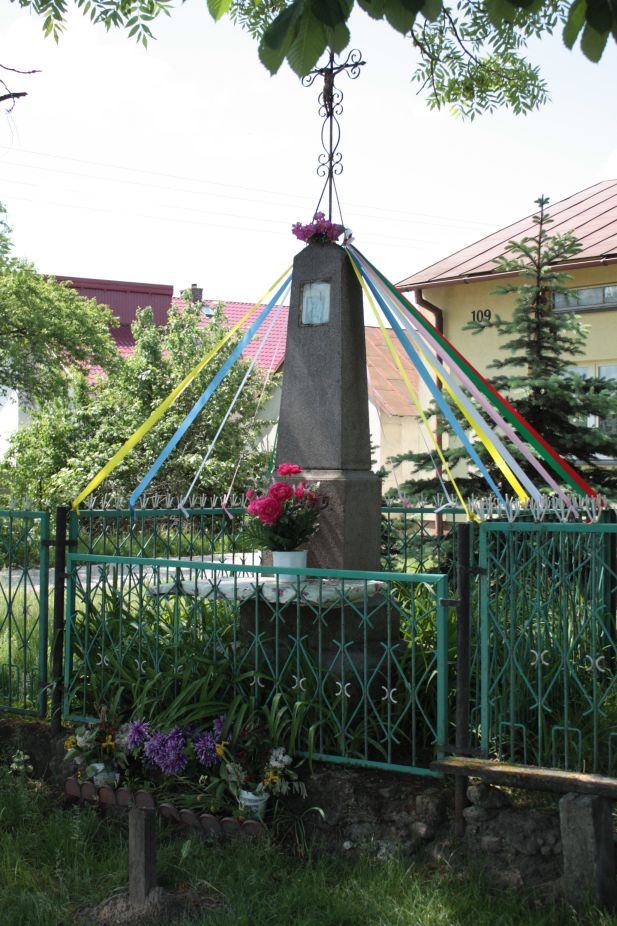 2018-05-20 Wysokienice kapliczka nr1 (6)