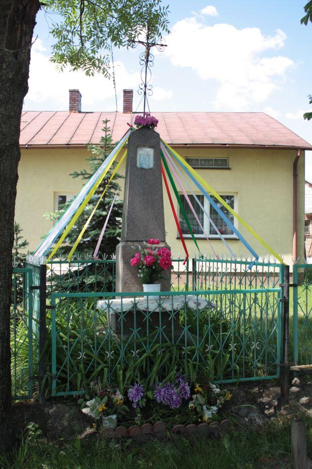 2018-05-20 Wysokienice kapliczka nr1 (7)