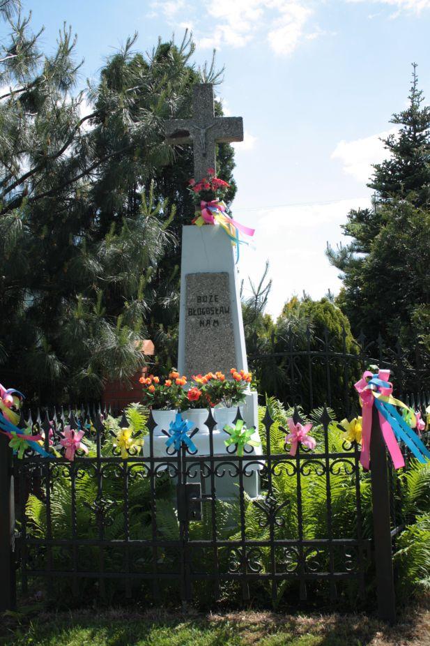 2018-05-20 Wysokienice kapliczka nr3 (7)
