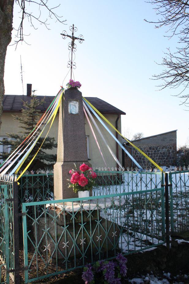 2019-02-08 Wysokienice kapliczka nr1 (8)