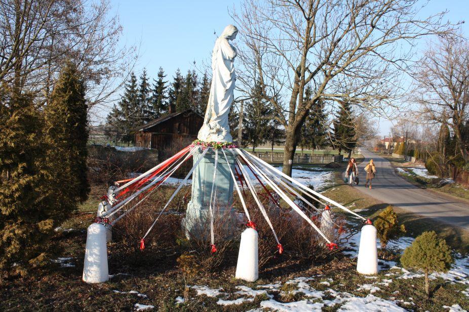 2019-02-08 Wysokienice kapliczka nr4 (6)