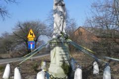 2012-03-25 Wysokienice kapliczka nr4 (2)