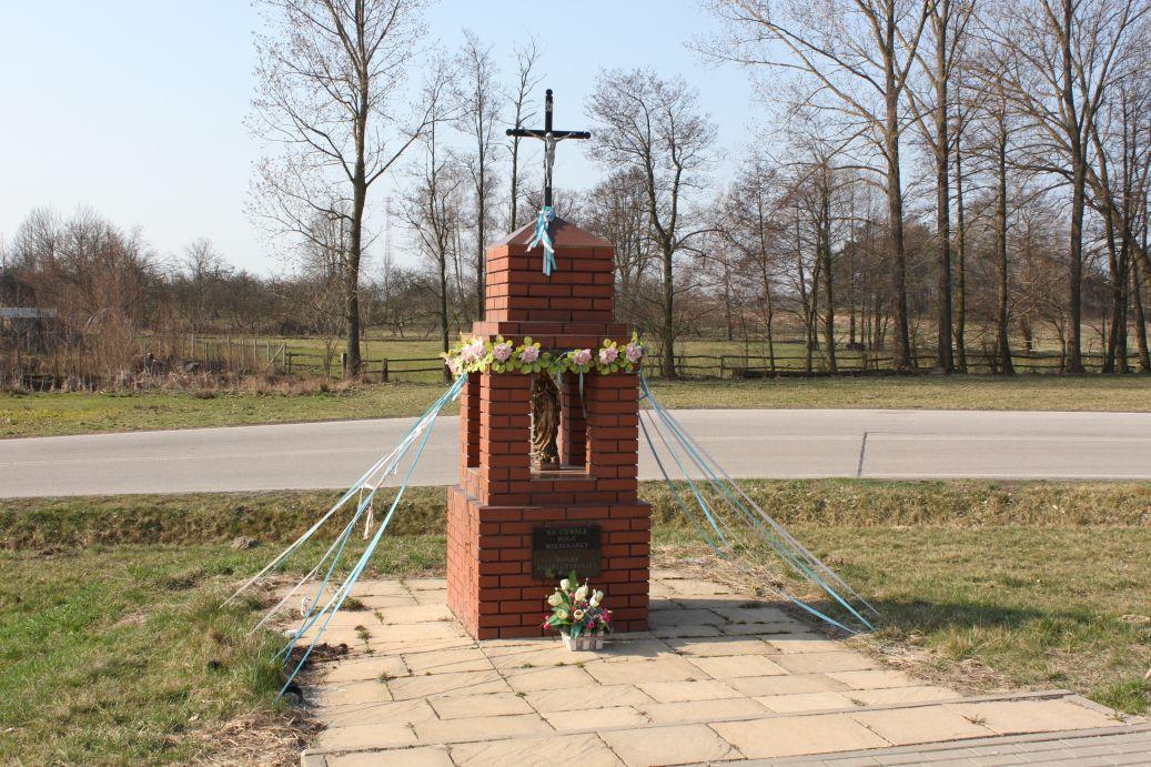 2019-03-31 Wólka Jagielczyńska kapliczka nr1 (1)