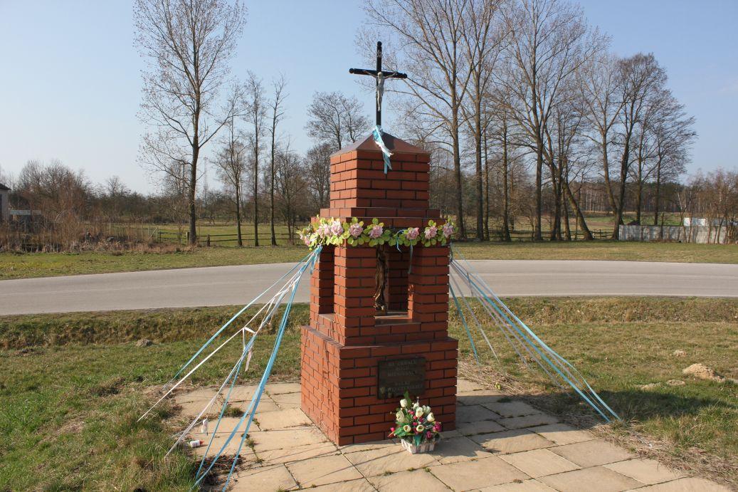 2019-03-31 Wólka Jagielczyńska kapliczka nr1 (9)