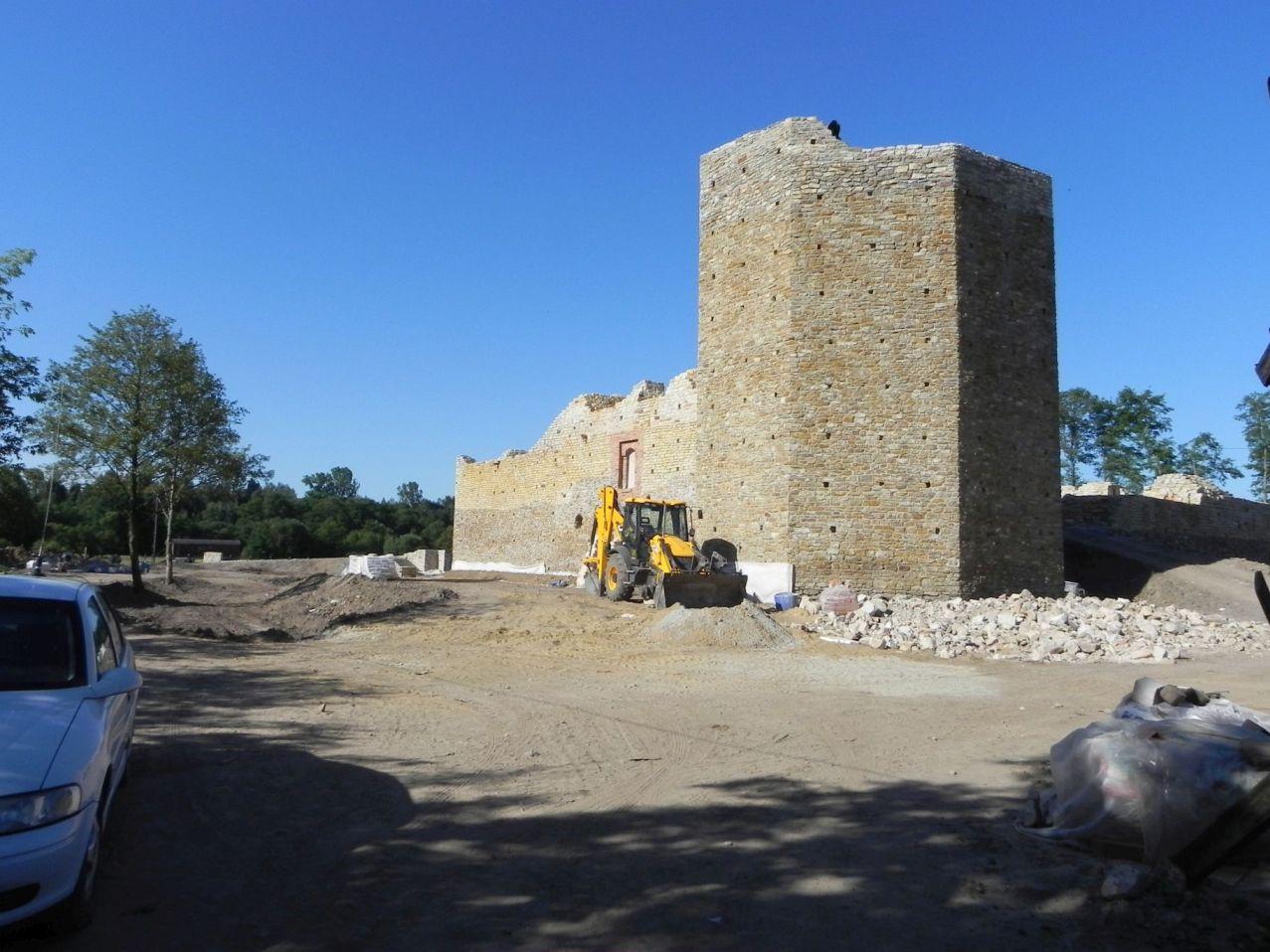 2012-07-22 Inowłódz - Ruiny zamku (1)