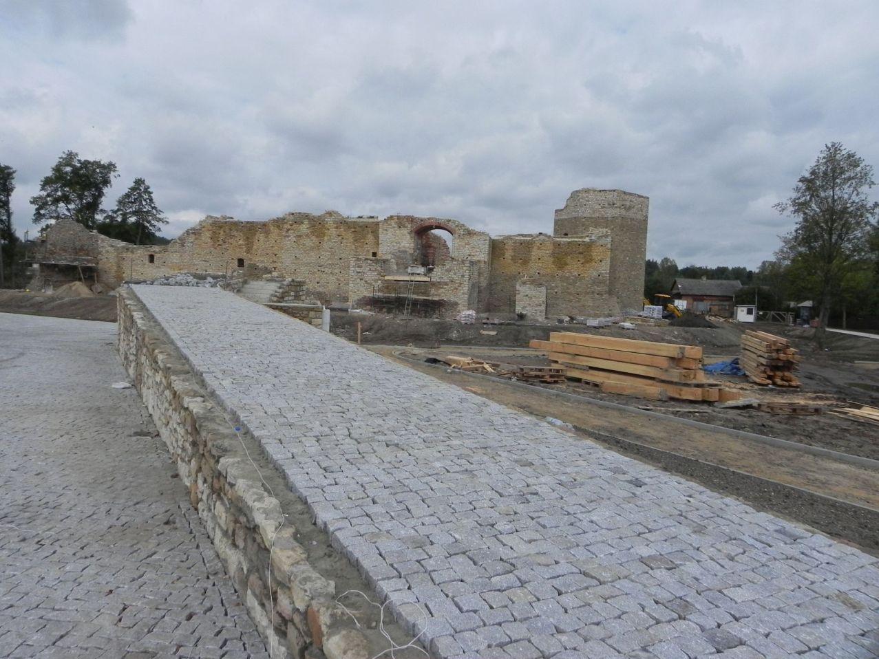 2012-09-16 Inowłódz - Ruiny zamku (11)