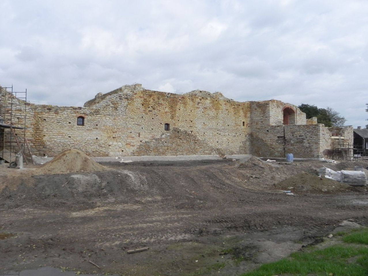 2012-09-16 Inowłódz - Ruiny zamku (14)