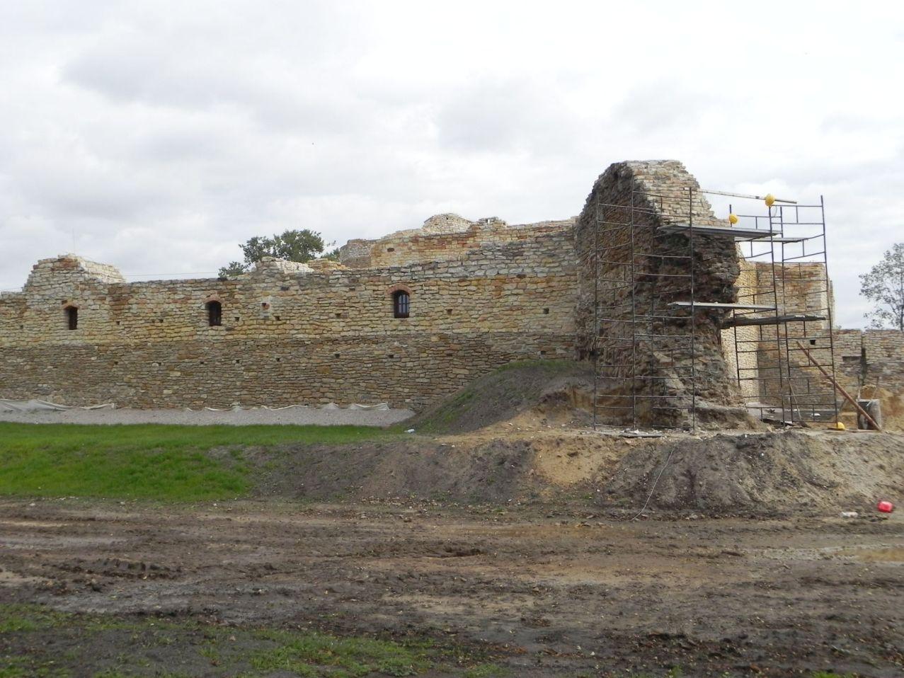 2012-09-16 Inowłódz - Ruiny zamku (18)