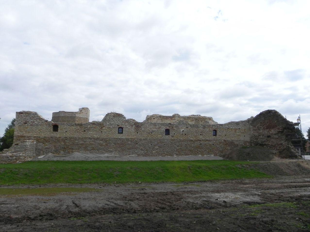 2012-09-16 Inowłódz - Ruiny zamku (23)