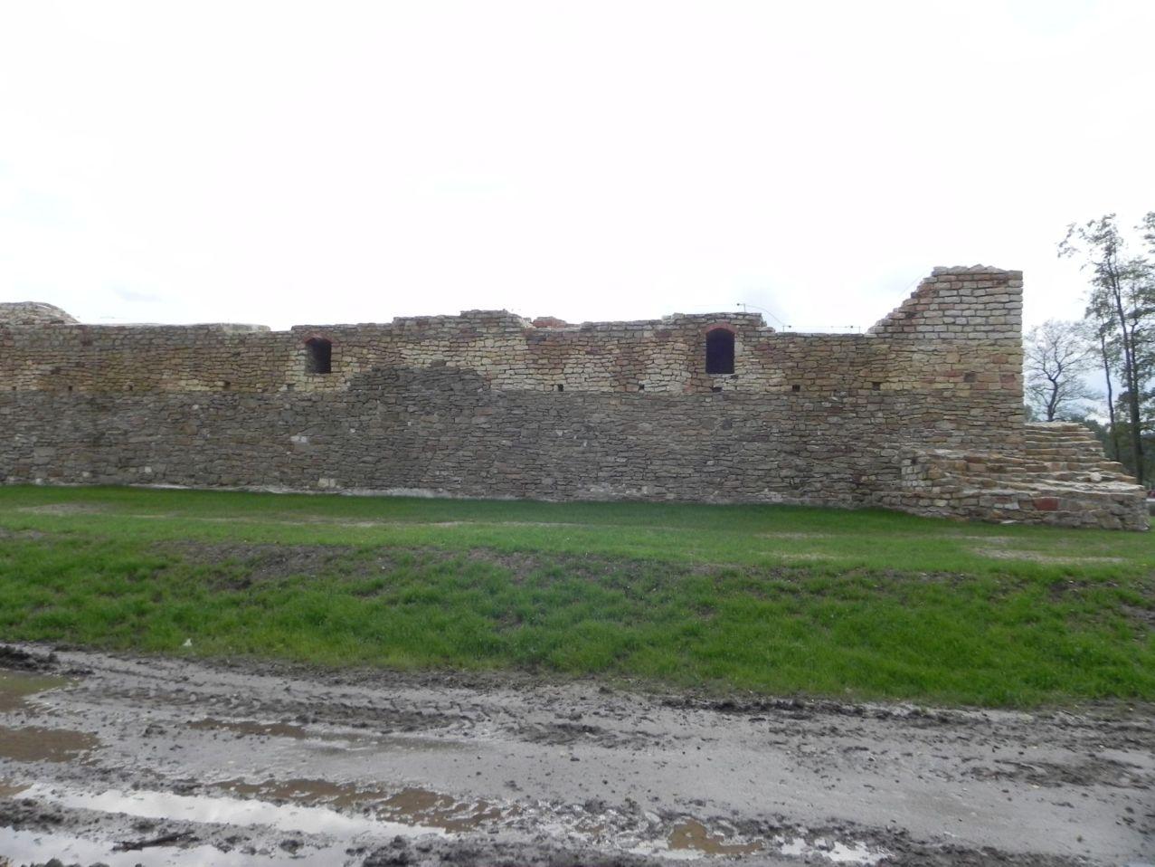 2012-09-16 Inowłódz - Ruiny zamku (32)