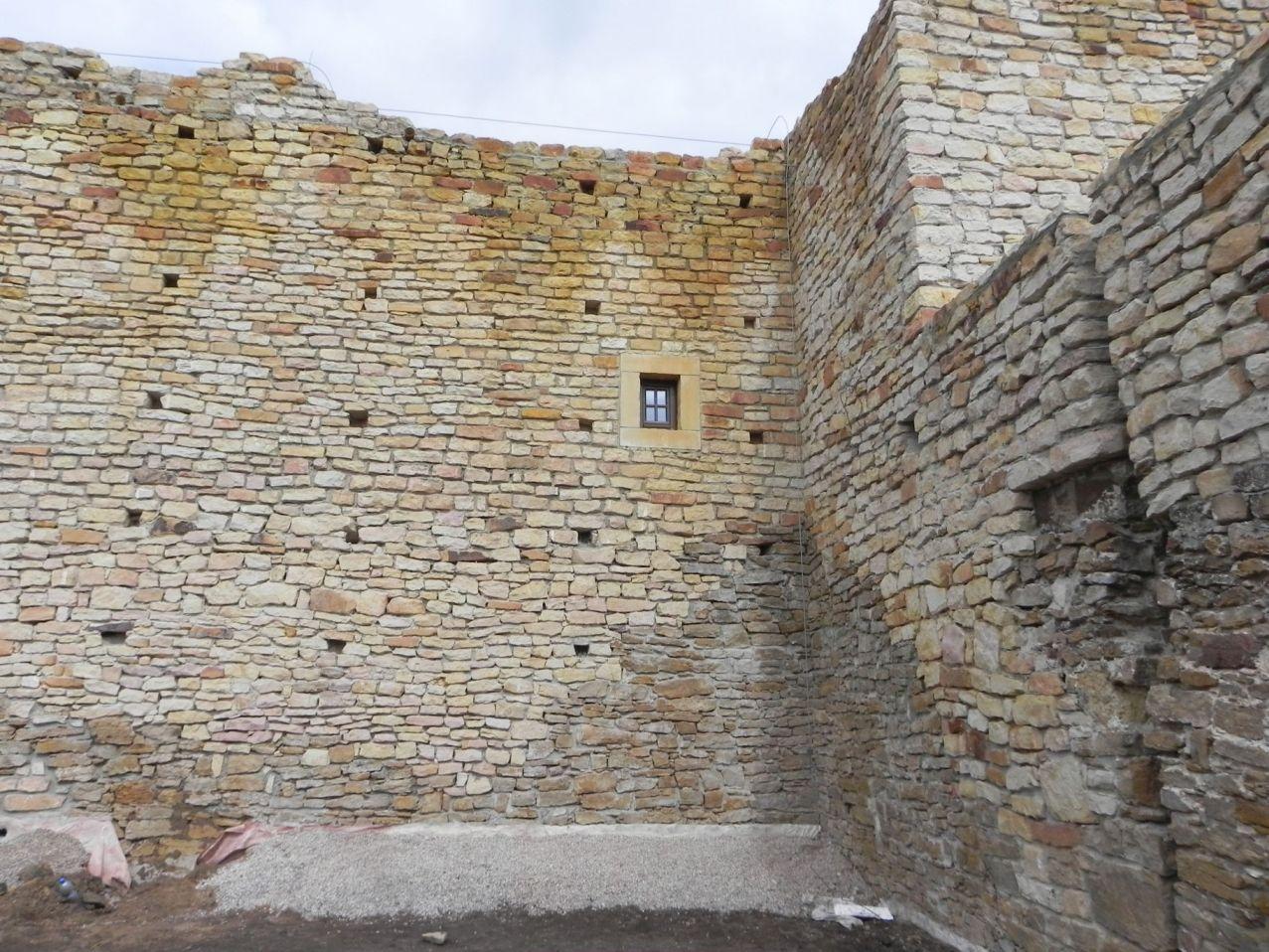 2012-09-16 Inowłódz - Ruiny zamku (4)