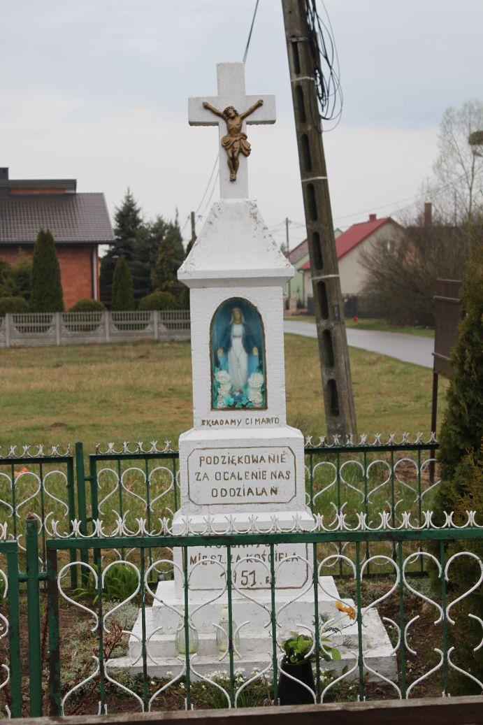 2019-04-07 Zakościele kapliczka nr1 (12)