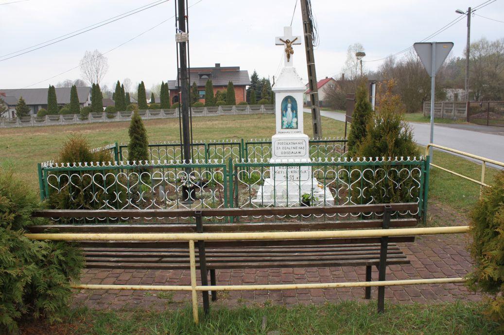 2019-04-07 Zakościele kapliczka nr1 (13)