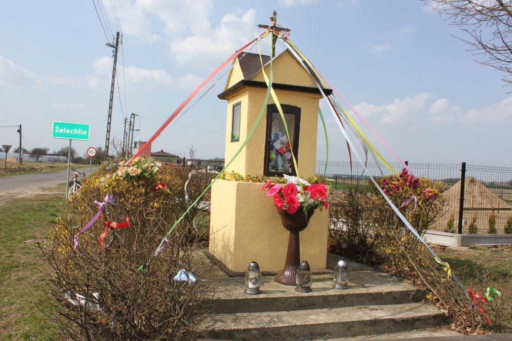 2019-03-31 Żelechlin kapliczka nr1 (1)