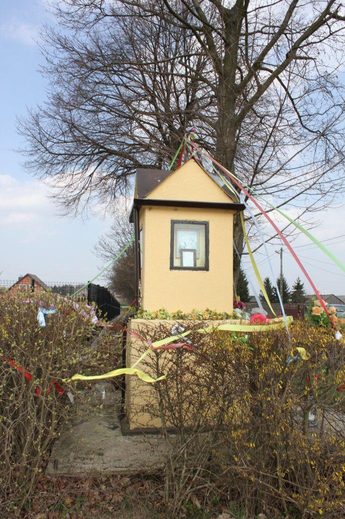 2019-03-31 Żelechlin kapliczka nr1 (11)