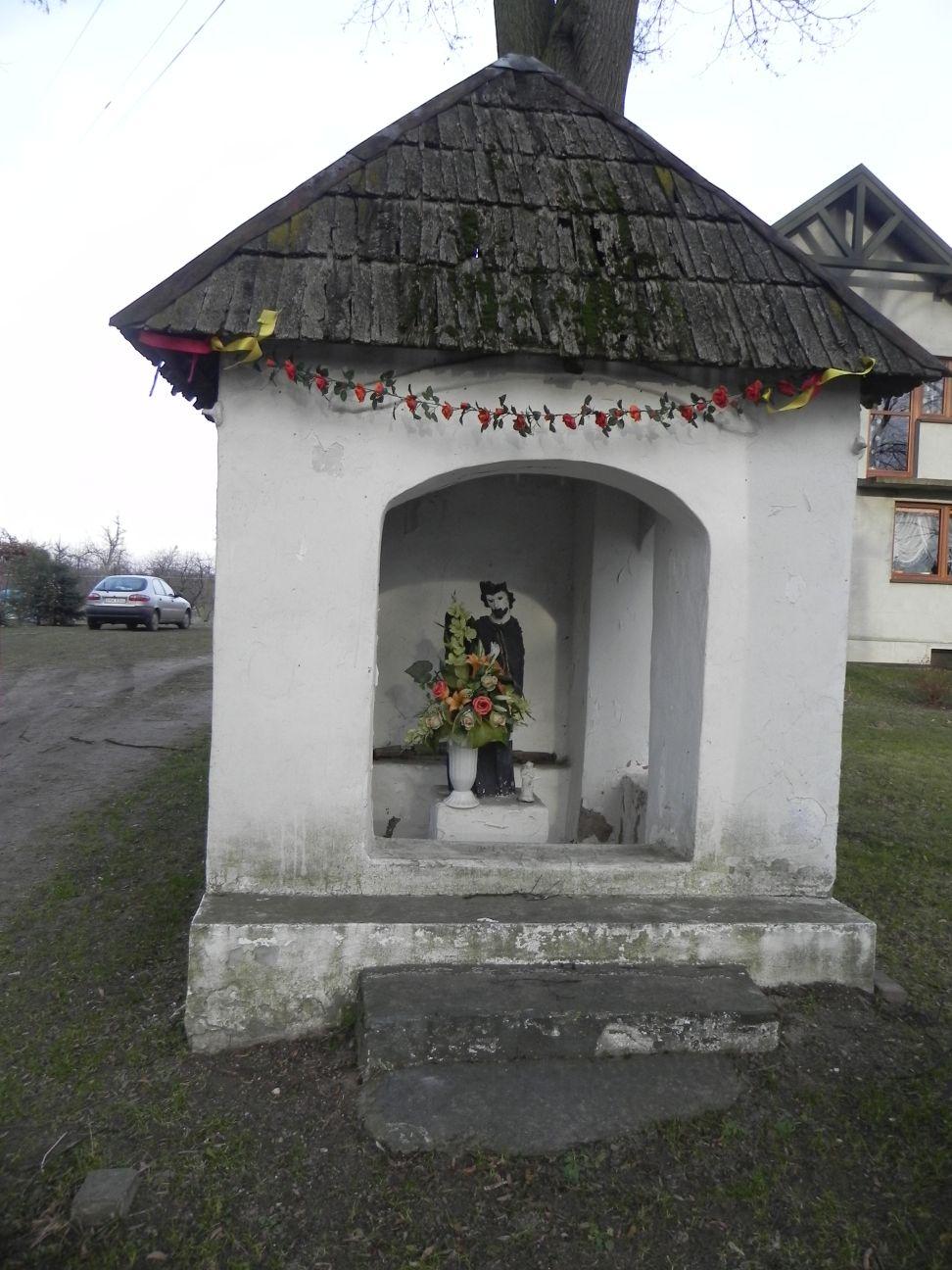 2013-12-26 Bujały - Kapliczka (1)