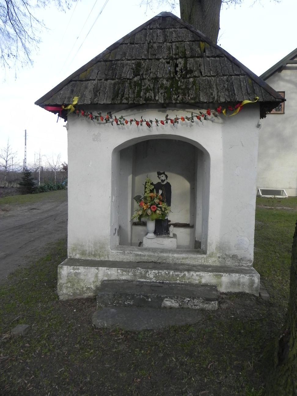 2013-12-26 Bujały - Kapliczka (3)