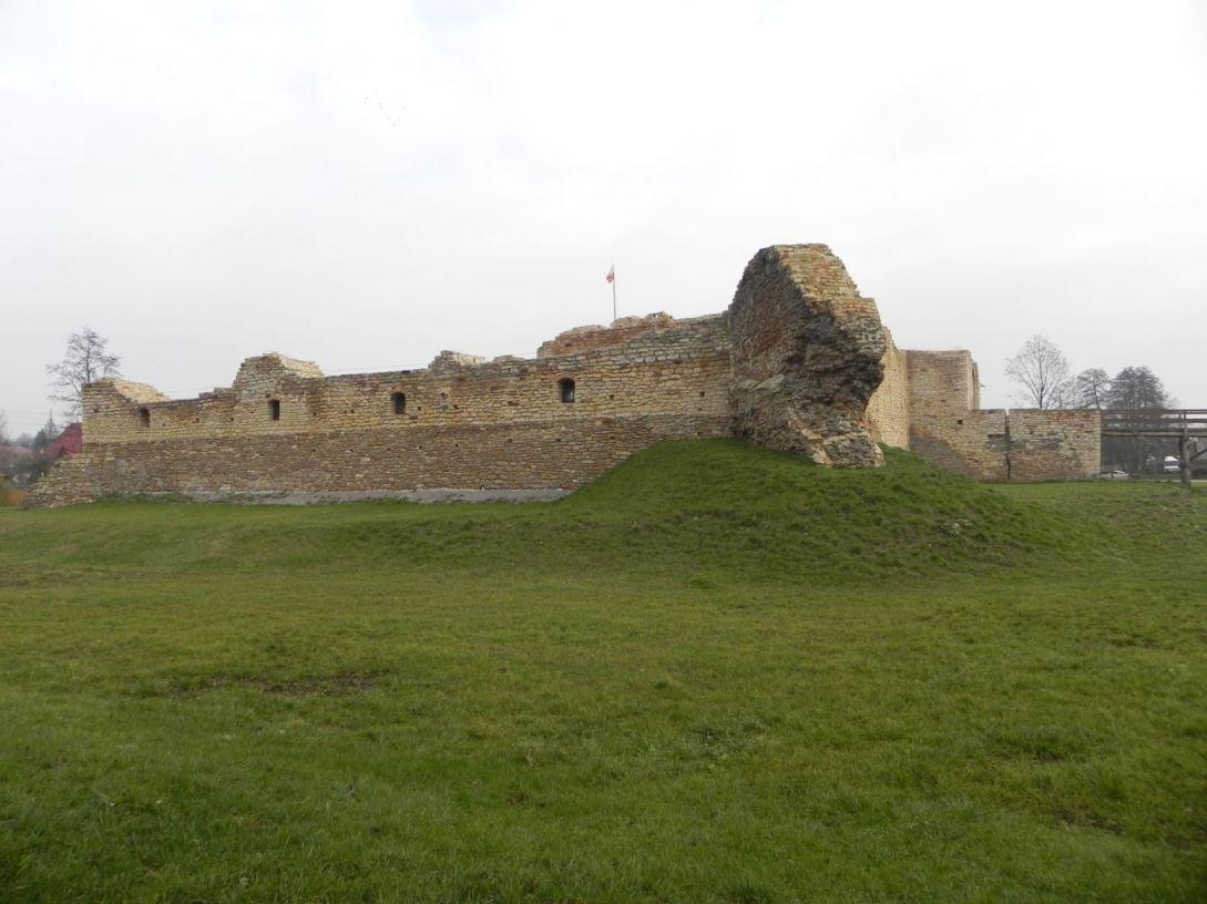 2013-11-17 Inowłódz - Ruiny zamku (14)