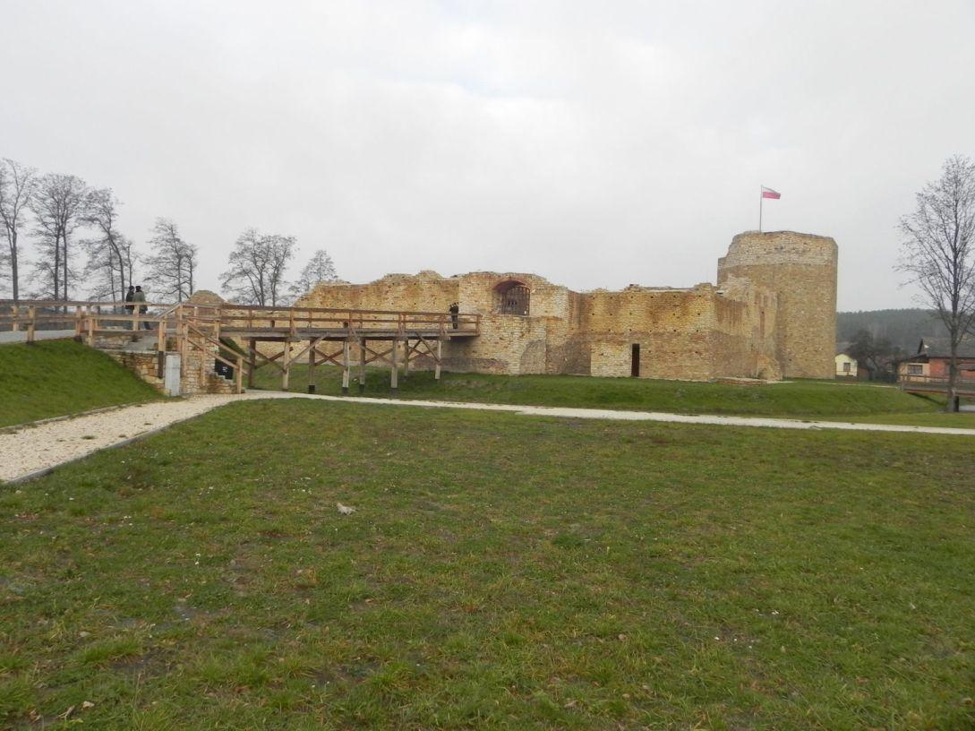 2013-11-17 Inowłódz - Ruiny zamku (5)