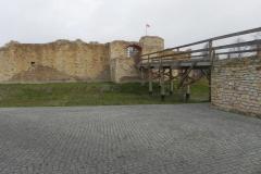 2013-11-17 Inowłódz - Ruiny zamku (8)