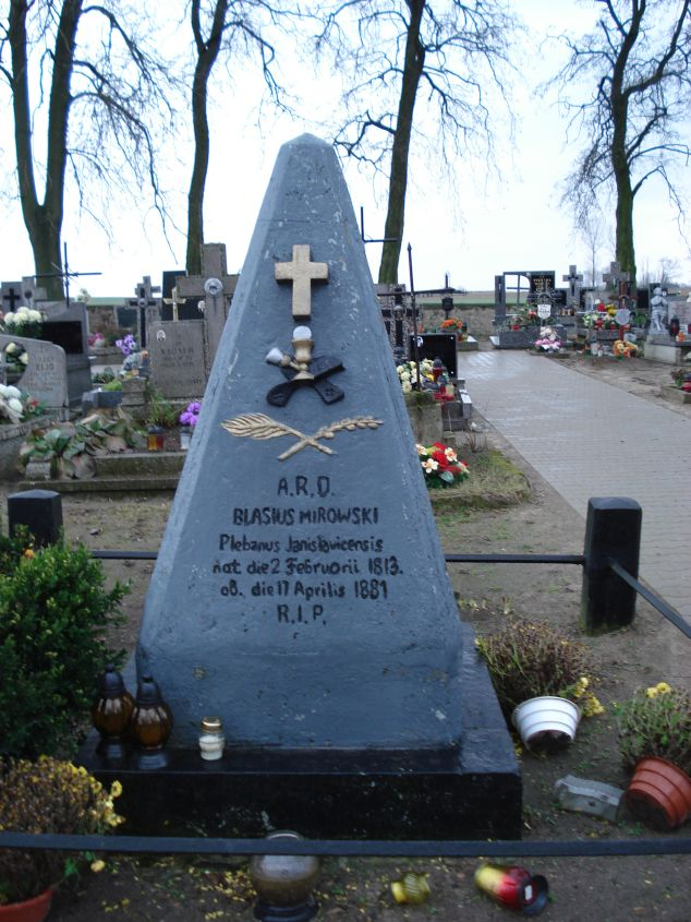 2007-01-14 Janisławice - cmentarz parafialny (3)
