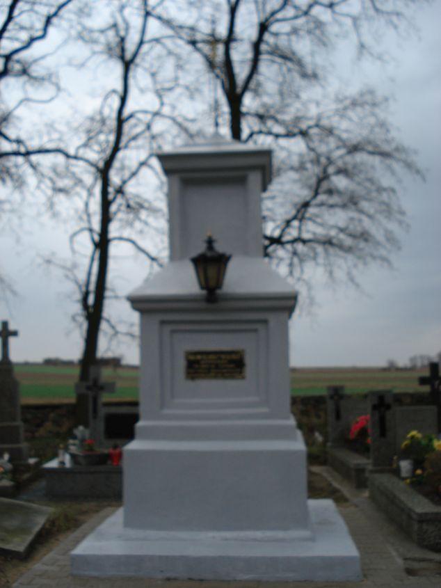 2007-01-14 Janisławice - cmentarz parafialny (4)