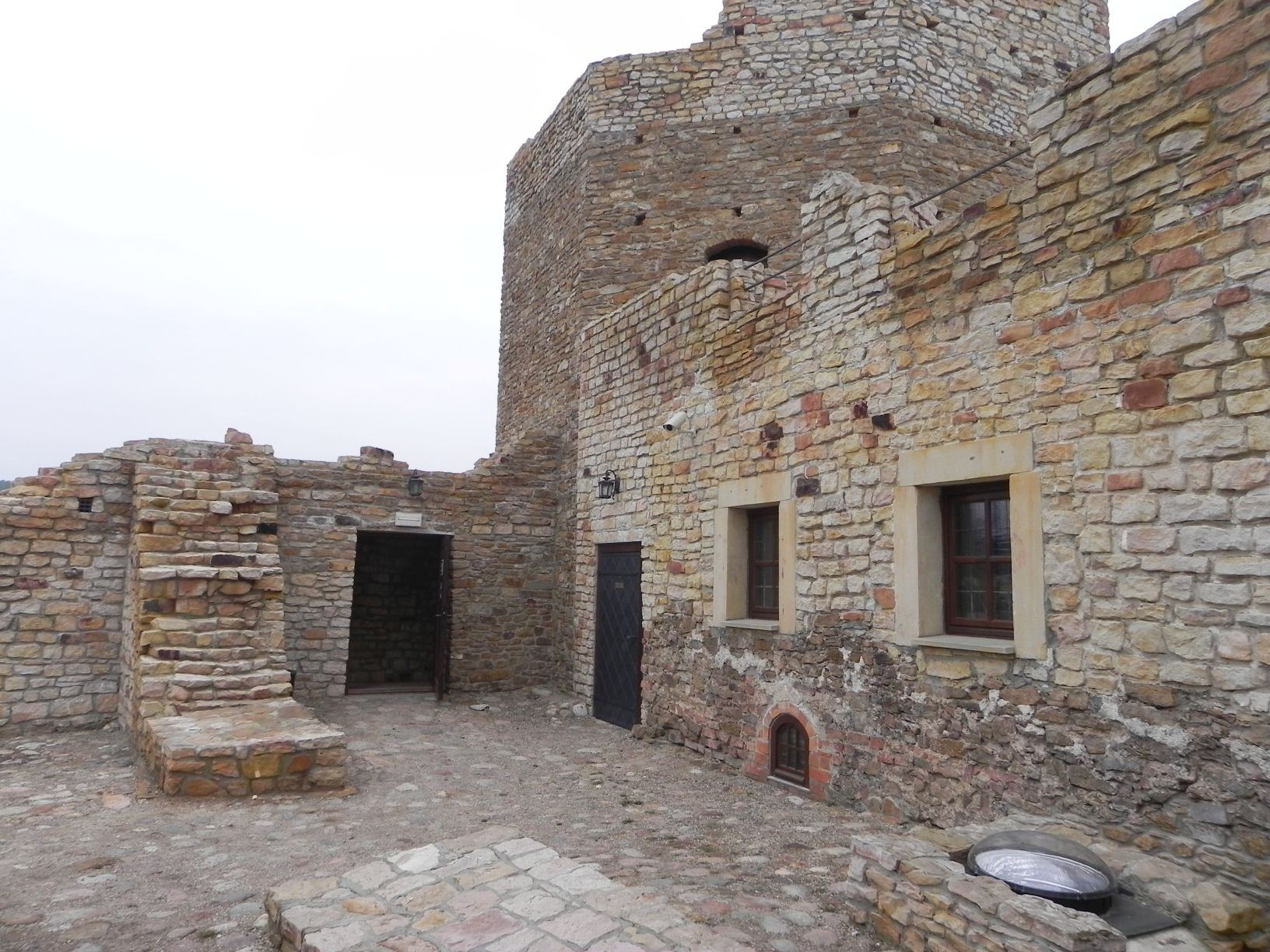 2014-01-05 Inowłódz - Ruiny zamku (8)
