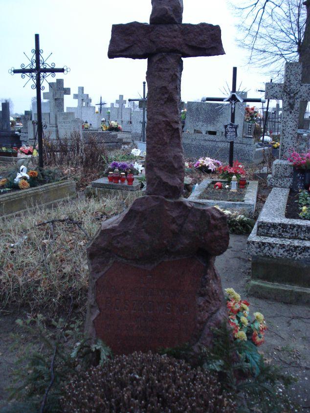 2007-01-01 Krzemienica - cmentarz parafialny (1)