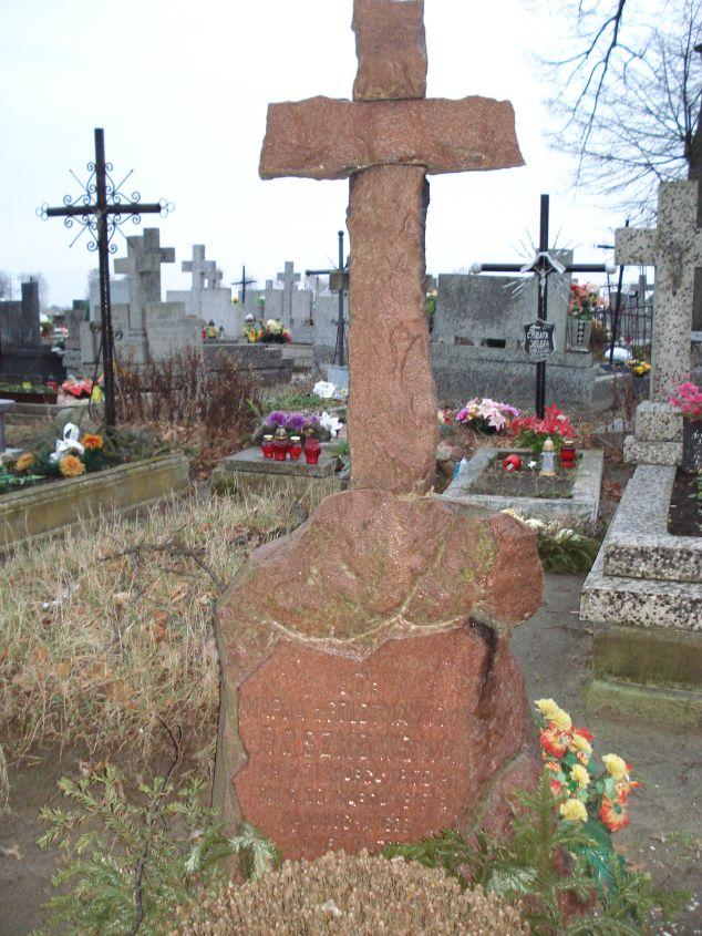 2007-01-01 Krzemienica - cmentarz parafialny (2)
