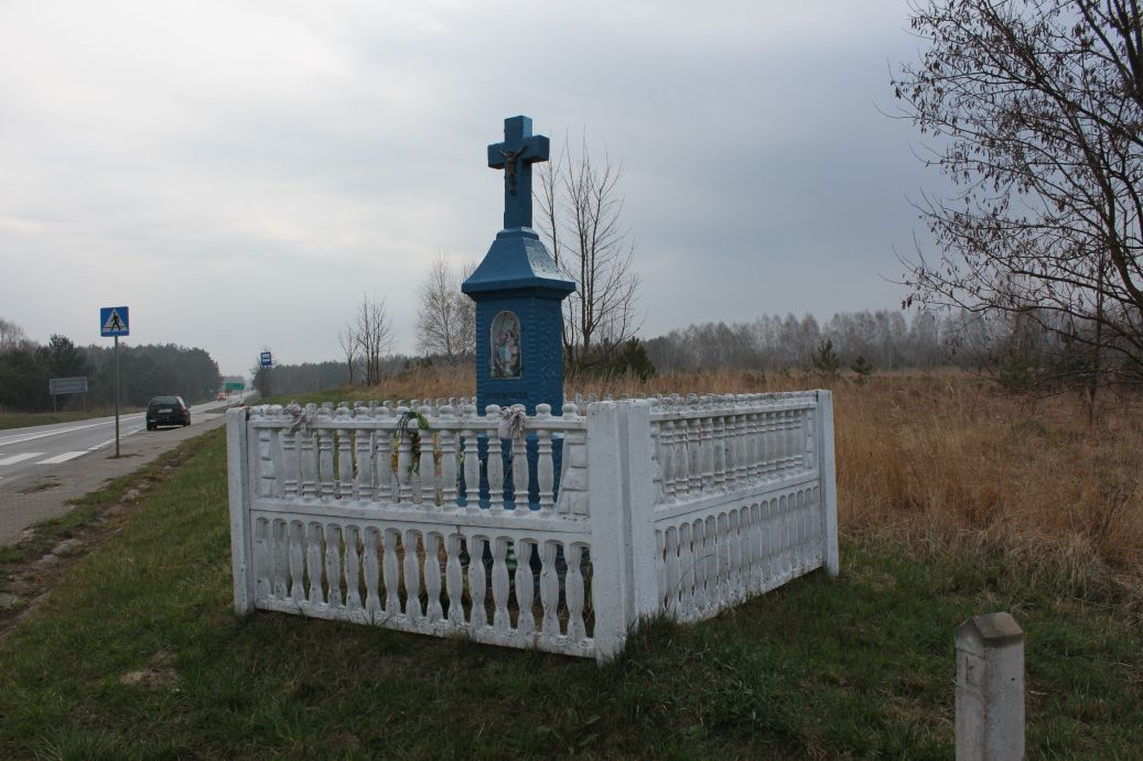 2019-04-07 Kłonna kapliczka nr1 (6)