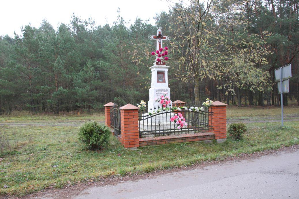 2019-11-10 Misiakowiec kapliczka nr1 (1)