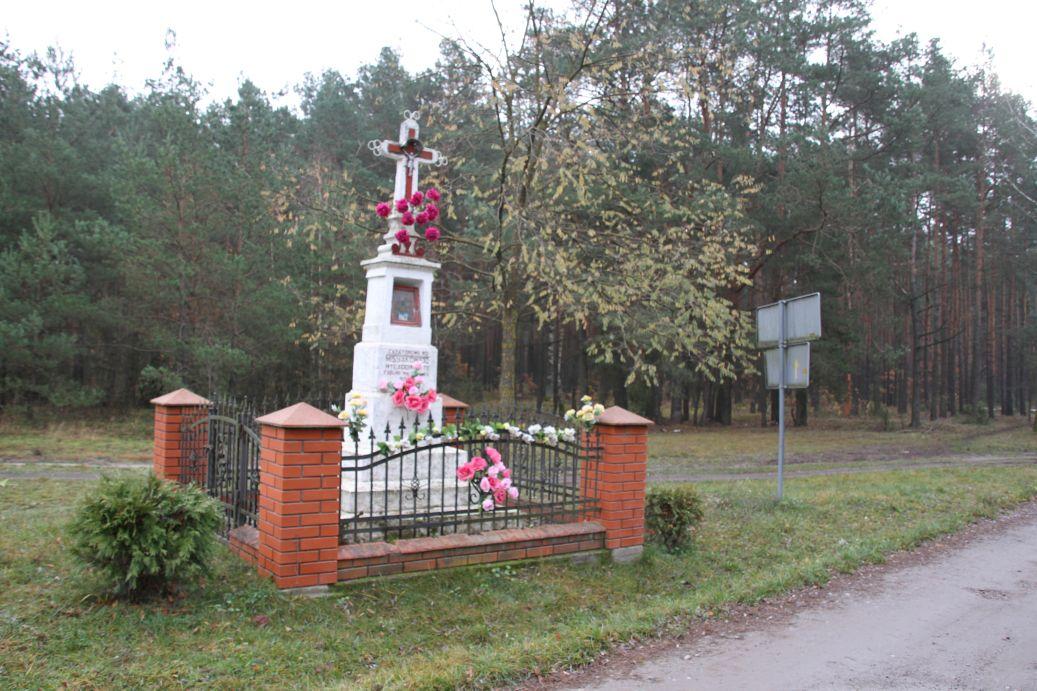 2019-11-10 Misiakowiec kapliczka nr1 (14)