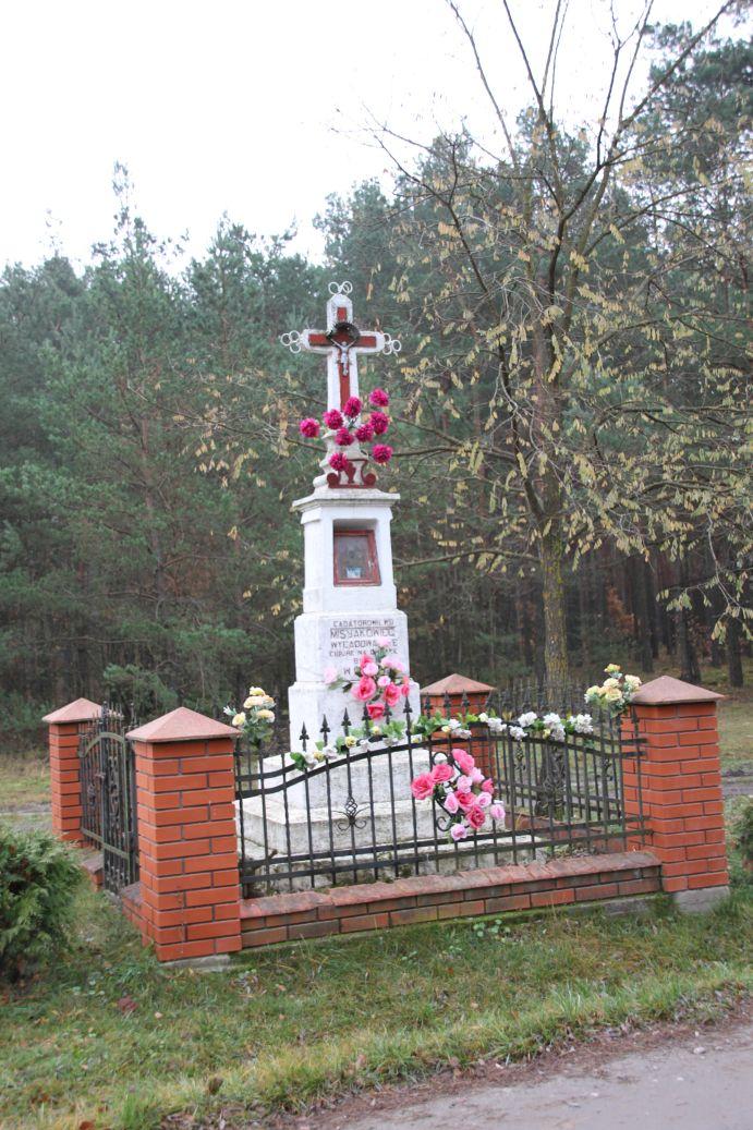 2019-11-10 Misiakowiec kapliczka nr1 (3)