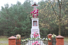 2019-11-10 Misiakowiec kapliczka nr1 (5)
