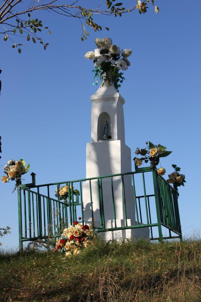 2019-10-20 Nieznamierowice kapliczka nr1 (1)