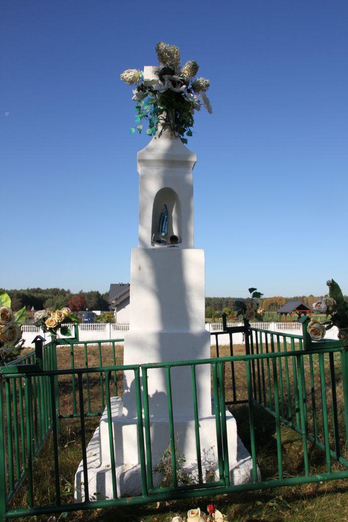 2019-10-20 Nieznamierowice kapliczka nr1 (3)
