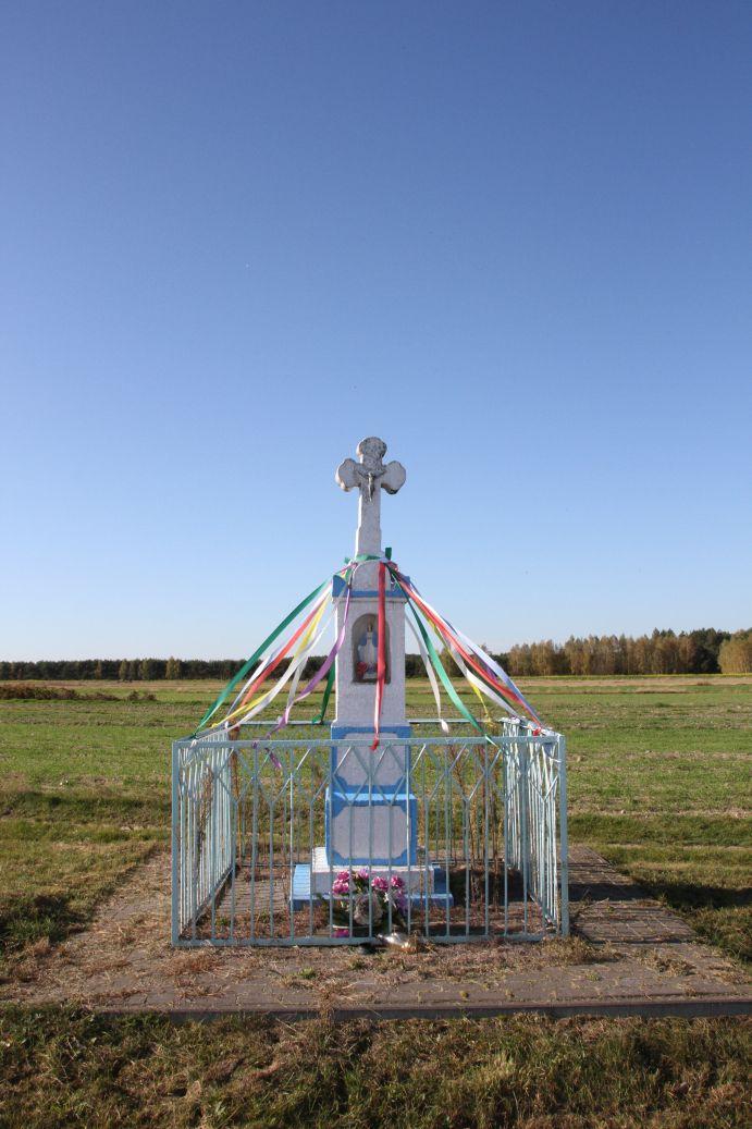 2019-10-20 Nieznamierowice kapliczka nr2 (13)